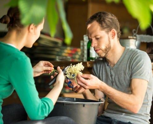 Hammerwirt - Vieles wird von Hand gemacht in unserem Gastgarten