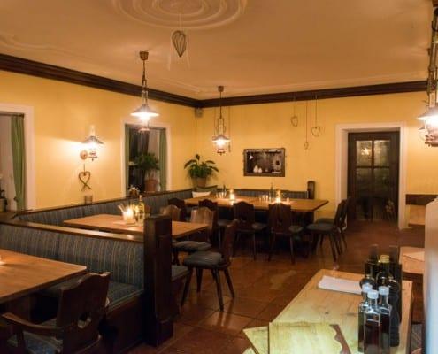 Hammerwirt in Oberalm, nahe Hallein - Bestellen Sie einen Tisch